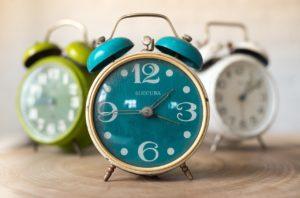 水色の目覚まし時計